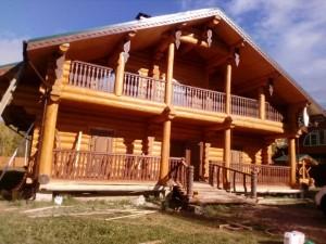 Дом с балконом под заказ